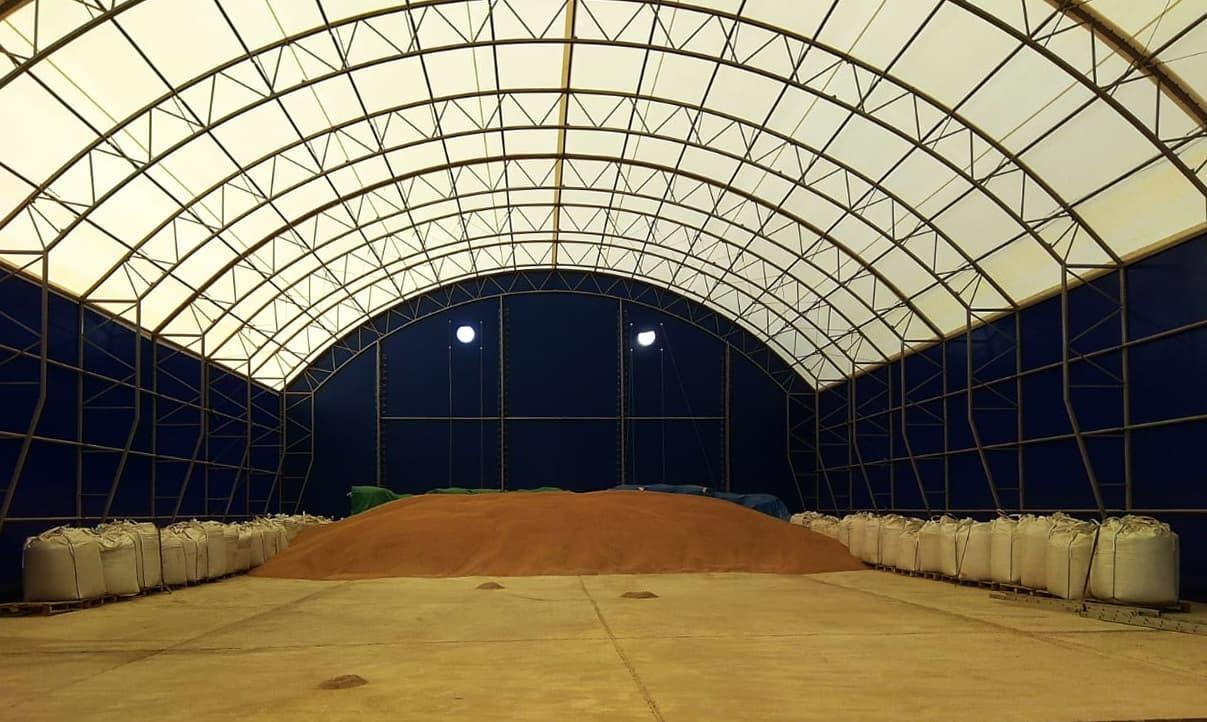 Большое зернохранилище