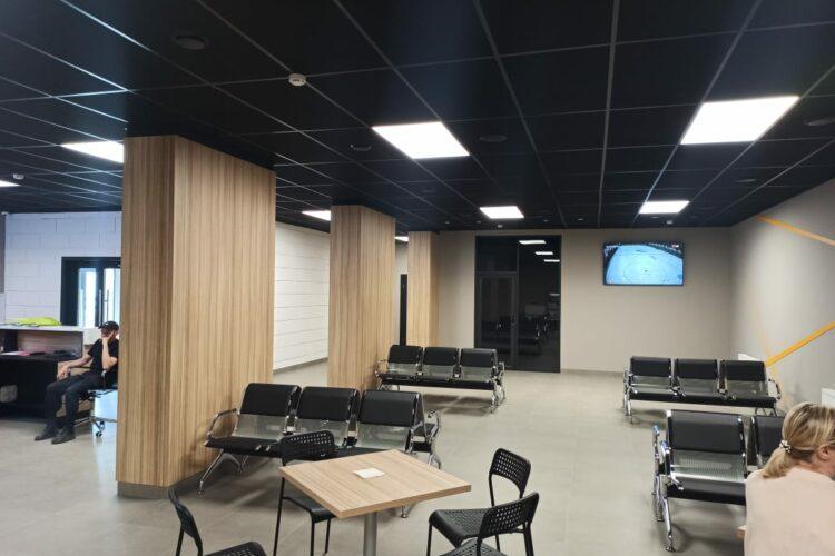 Интерьер внутренних помещений в спорткомплексе МИЦ Арена